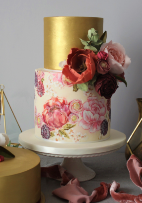 Painted cake gold and flowers