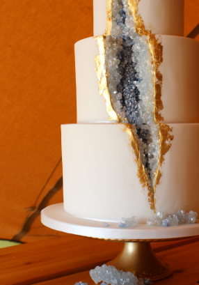 Blue geode wedding cake Rebecca 2017